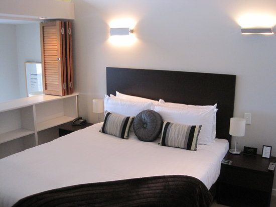 Pounamu Apartments: Bedroom