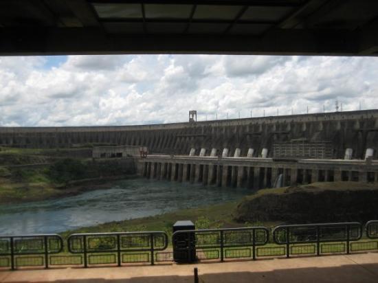 เขื่อนอิไตปู: Staudamm des Parana bei Itipe