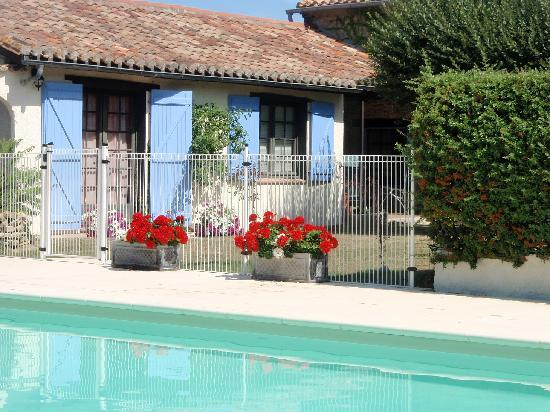 Domaine La Castagne : From the pool to the Gites.