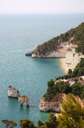 Apulien, Italien: Gargano - Baia dei Faraglioni