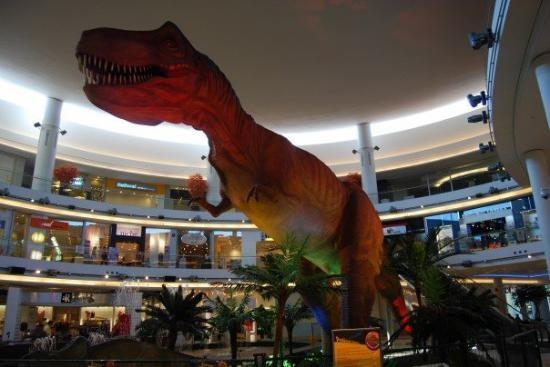 Aberdeen Centre : This life size T-Rex was in the lobby of the Aberdeen Mall in Richmond.