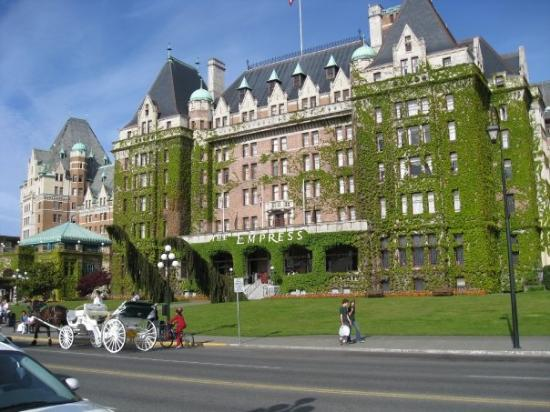 Empress Hotel National Historic Site of Canada: Fairmont Empress Hotel (we didn't stay here)