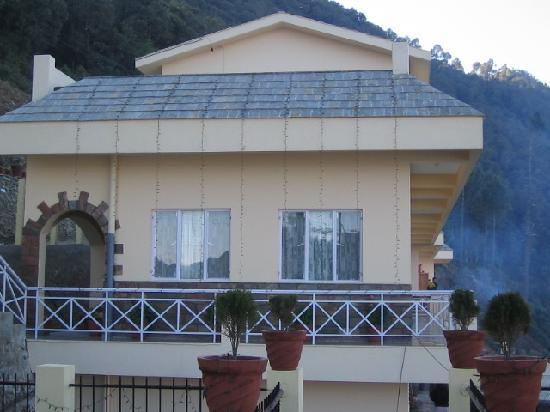 V Resorts - Pauri: outside main block