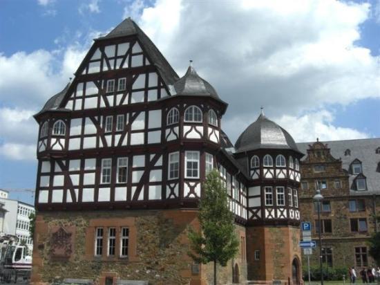 Giessen, Germany: Neues Schloss