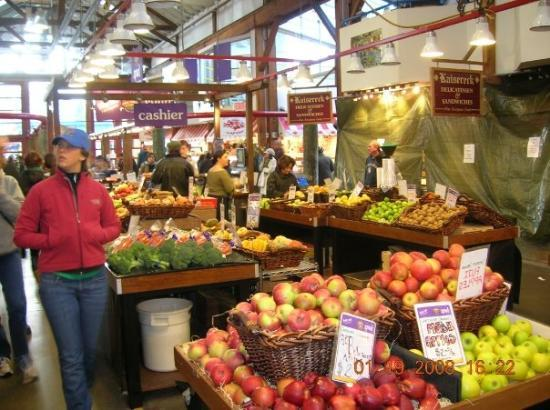 Granville Island Public Market: Indoor farmers market.  Could have stayed there all day...