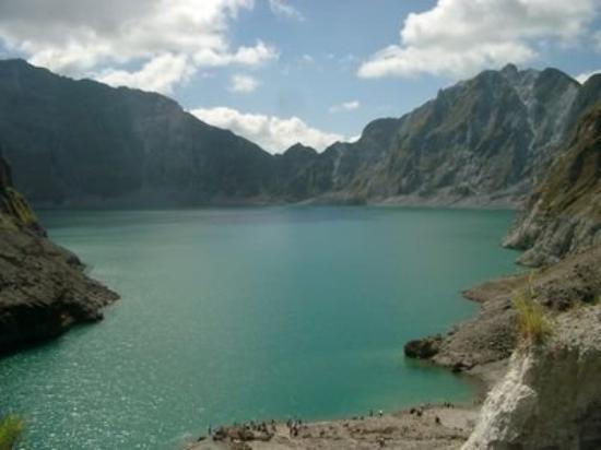 Mount Pinatubo: Breath taking view of Pinatubo Volcano...it's worth the 10k trek