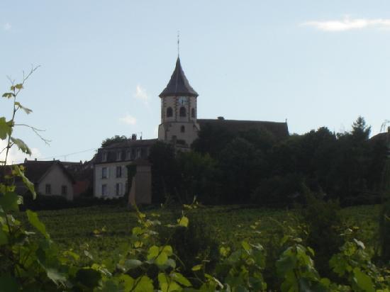 Hotel au Riesling: Zellenberg church