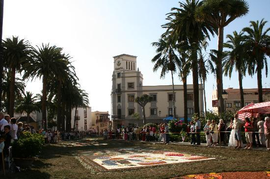 Hotel Rural Victoria: the carpets of flowers on the streets for Corpus Christi