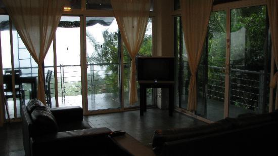 Villa Manuel Antonio: main floor