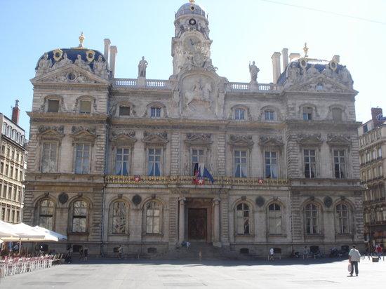 Lyon, France : Hotel de Ville