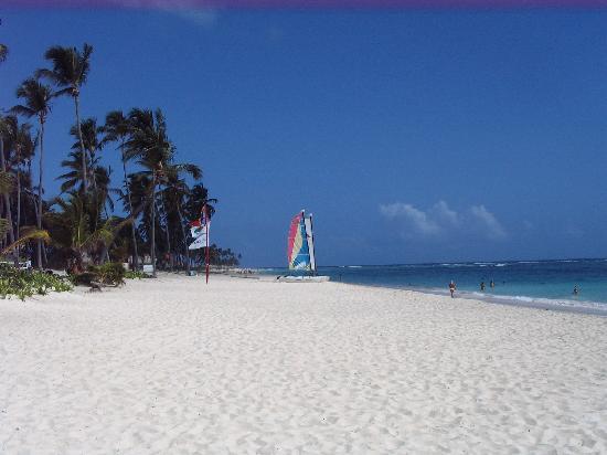 Luxury Bahia Principe Ambar Blue Don Pablo Collection : La superbe plage
