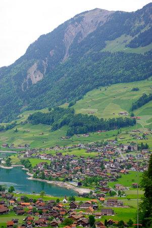 Interlaken (vers Lucerne),  Mai 2009