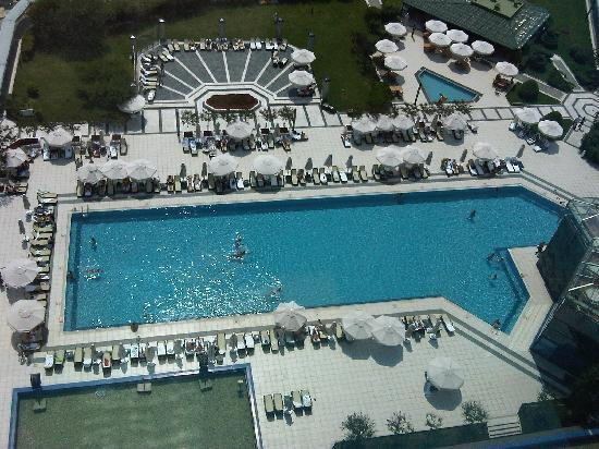 Renaissance Polat Istanbul Hotel : Pool at