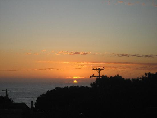 Hotel Indigo San Diego Del Mar: Sunset - view from our window