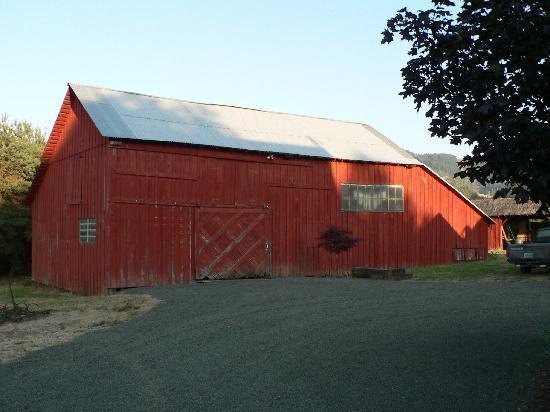 C. H. Bailey House: barn