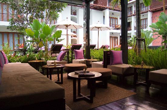 U Chiang Mai: lobby