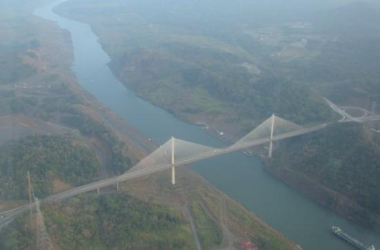 สะพานแห่งอเมริกา: Ariel view of Bridge of Americas en route to Bocas del Toro.