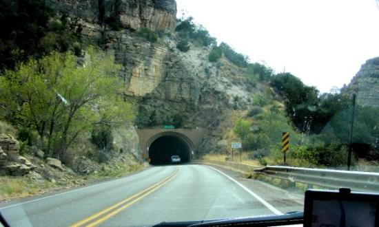 Cloudcroft, Nuevo Mexico: The tunnel on Hwy 82.