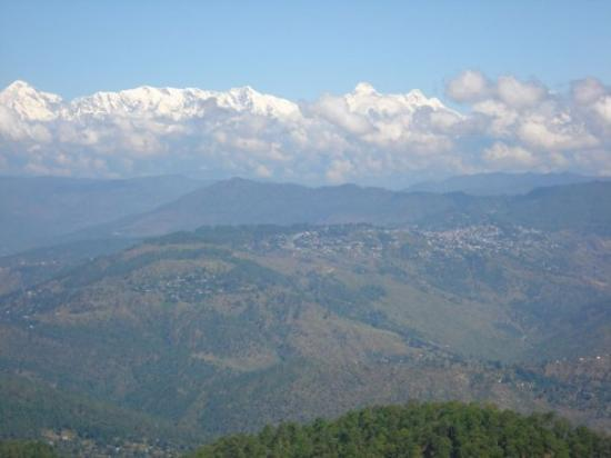 Kumaon, India: The snow-capped peaks from Mukteshwar