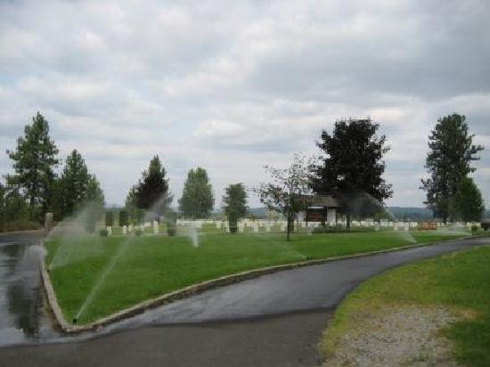 Centennial Trail: Military cemetery