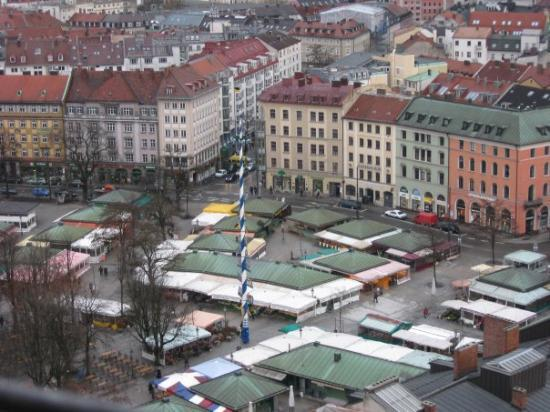 the famous marketplace, Viktualienmarkt