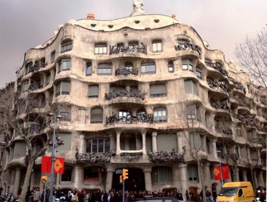 Casa mila de gaudi picture of la pedrera barcelona tripadvisor - Casa la pedrera gaudi ...
