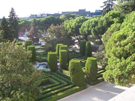 Madrid jardines sabatini fotograf a de madrid for Restaurante jardines de sabatini