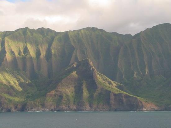 Nā Pali Coast State Park: Kauai, Hawaii.  Jurassic Park, Tropic Thunder, King Kong, Seven Days, Seven Nights and other mov