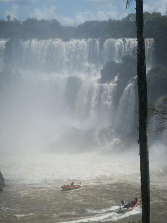 Puerto Iguazu, Argentina: Into the Devils Throat by boat this was a awesome and very cold