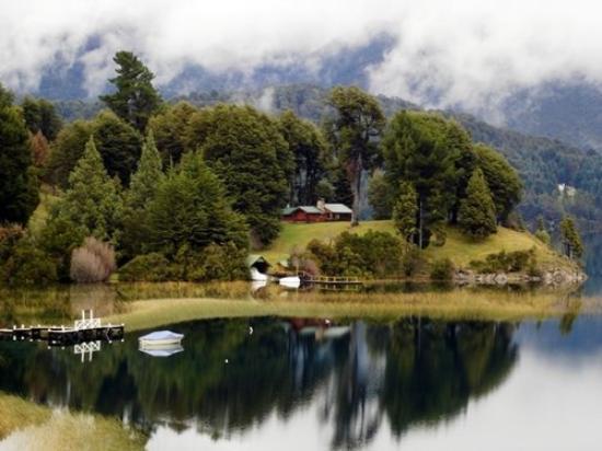 Llao Llao Hotel and Resort Golf Spa: Em Bariloche, imagem do Lago Moreno, nos fundos do grande Hotel Llao Llao