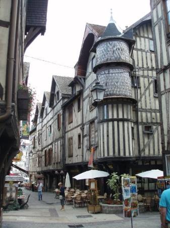 ตรัว, ฝรั่งเศส: Troyes
