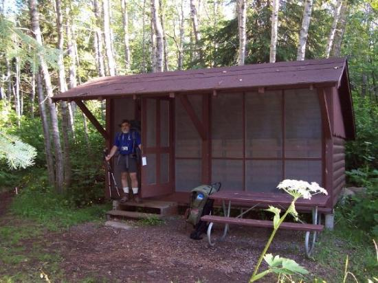 Isle Royale National Park, มิชิแกน: This is the adirondac that we stayed in the last night on the island. It was very nice to have a