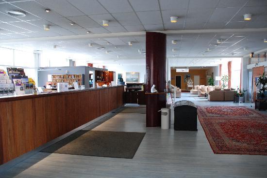 Skaga Hotel: Reception area