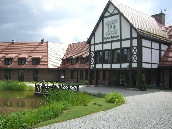 Hotel SPA Dr Irena Eris Wzgorza Dylewskie: main building