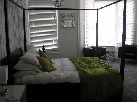 Grey's Hotel: Comfy bed