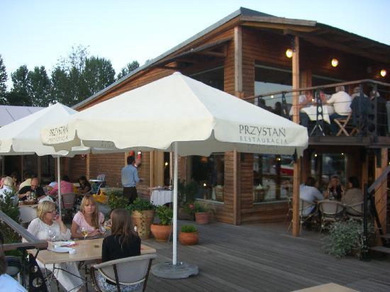 Przystan Restauracja: tables and umbrellas on the pier