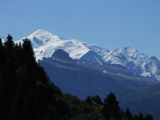 Chalet Beziere: View across to Mont Blanc from nearby mountain walk