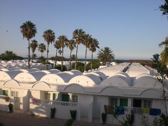 El Mouradi Club Kantaoui: vue de notre balcon sur les bungalows et la mer