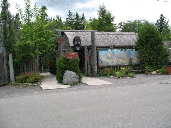 Site Traditionnel Huron: L'entrée du site