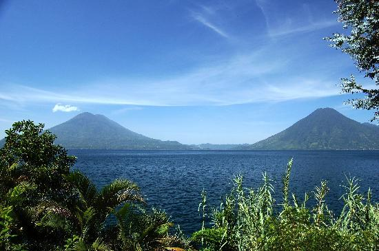 Hotel el Arca de Noe: Lake Atitlan from Santa Cruz