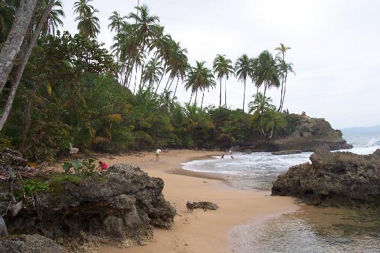 Cabinas Yemanya: strand, 50 meter