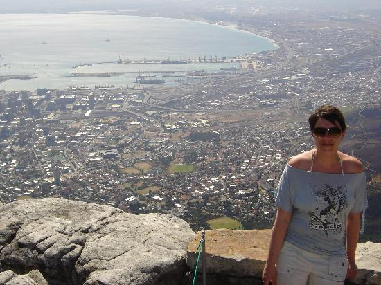Camps Bay Ridge Guest House: View from table mountain - fab!