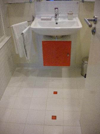 Mamaison Residence Sulekova Bratislava: bathroom sink