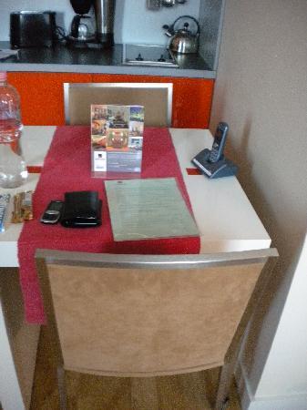Mamaison Residence Sulekova Bratislava: breakfast table in room