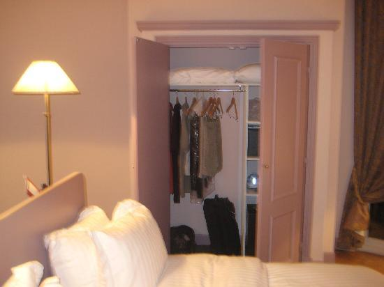 Hotel  Le Cavendish: Picture of closet