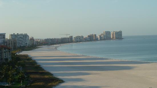 South Seas Towers Condominiums : Plenty of beach