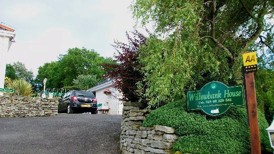 Willowbank House: Street sign