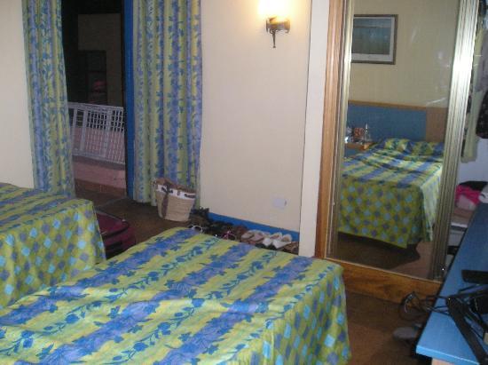 Paraiso del Sol Apartments : our bedroom