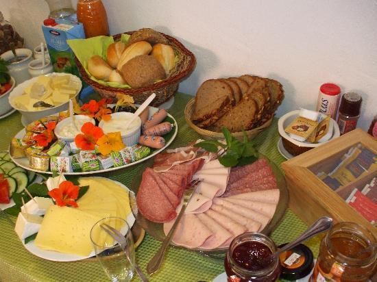 Gästehaus Schöberl: The wonderful breakfast