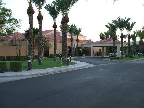 Courtyard Phoenix Mesa : Hotel Entrance